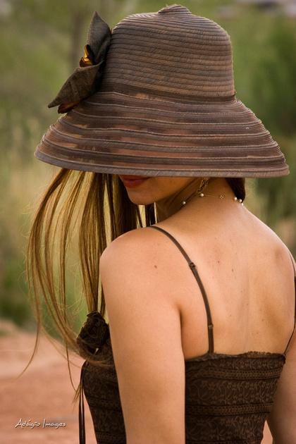 http://www.adagio-images.com/img/s11/v27/p1388494390-4.jpg